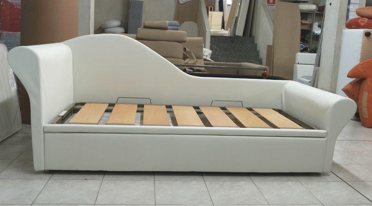 Oltre 1000 idee su chaise longue camera da letto su - Sedie per camera da letto ...