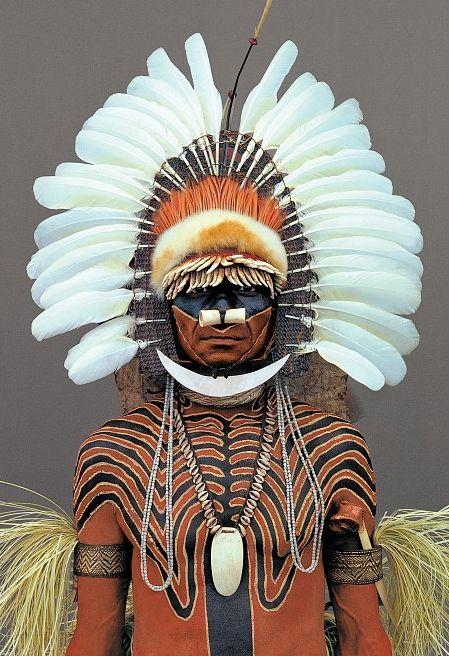 New Guinea man - Photo: Malcolm Kirk, Man as Art