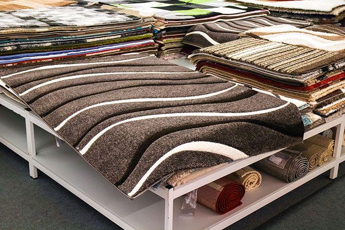 طريقة تنظيف السجاد من البقع وافضل طرق علاج السجاد الملسوع او المحروق وما هي أنواع الأقمشة الطبيعية المناسبة لمنزلك بالإضافة التع Unique Rugs Carpet Stores Rugs