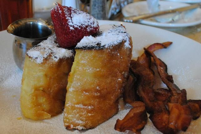 The Bruleed French Toast Cheesecake Factory Calories Are Excessive #cheesecake trendhunter.com