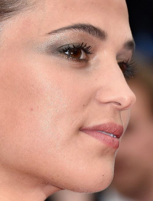 alicia vikander alicia vikander red carpet makeup celeb celebrity celebritycloseup