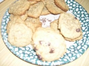 Classic oatmeal chocolate chip cookies - looks easy to make dairy-free