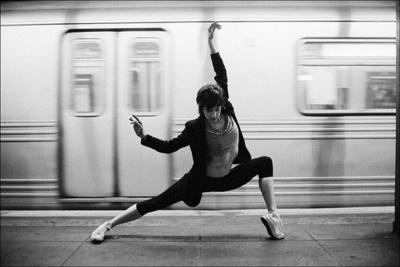 I love dance photoshoots in public. #dance #publictransit #subway #hiphop