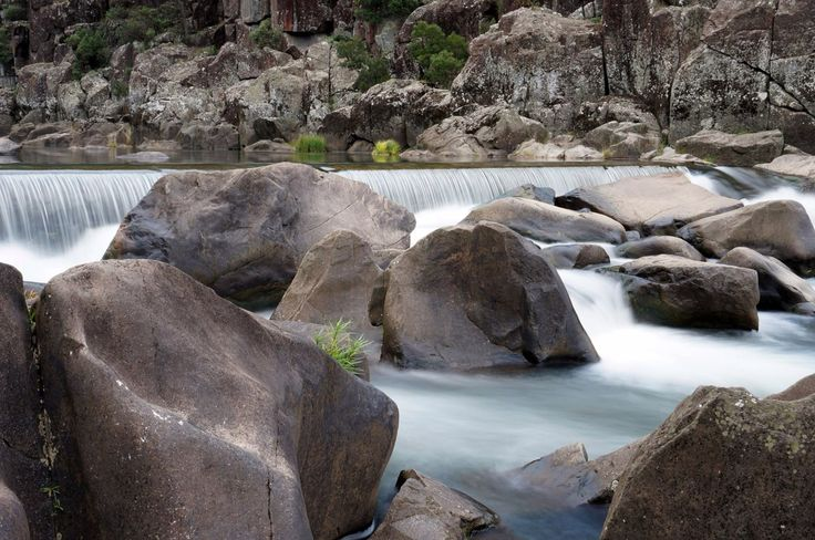 Fast flowing rivers at Launceston's Cataract Gorge
