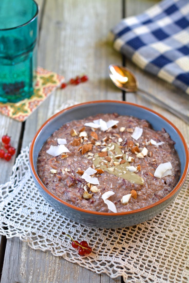 The most amazing Candida fighting carrot cake porridge with oat bran and buckwheat flakes.