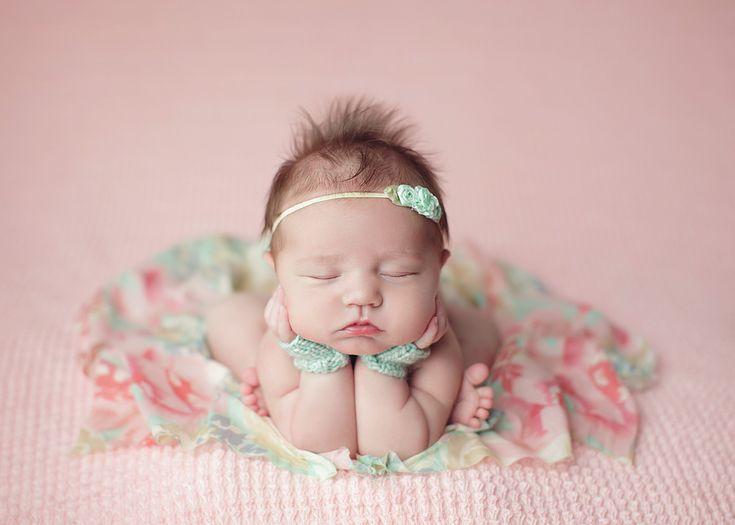 Sweet charlotte minnesota newborn baby photographer jennifer nace photography