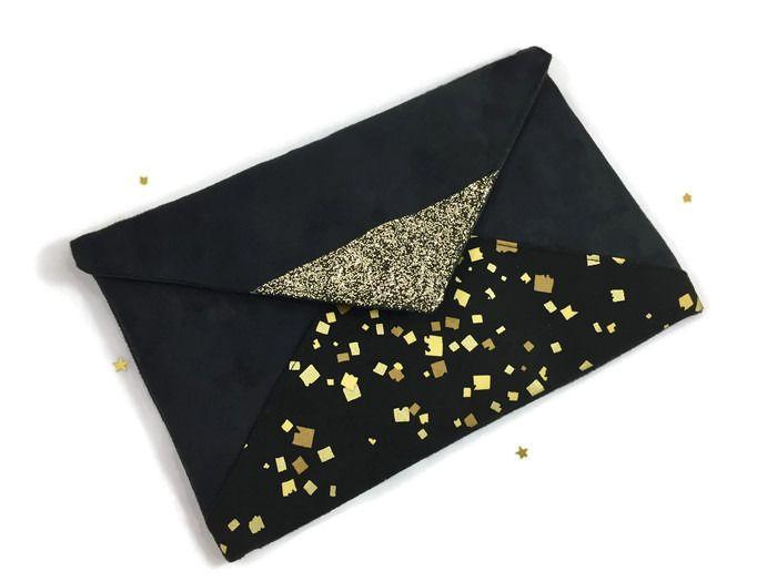 Pochette de soirée noire dorée en suédine et tissu à paillettes doré et noir : Sacs à main par fil-des-toiles Pochette invitée mariage, pochette demoiselles d'honneur, cadeau demoiselle d'honneur, pochette réveillon