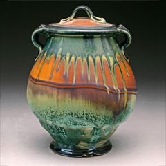 Steven Hill See his website: http://www.stevenhillpottery.com/