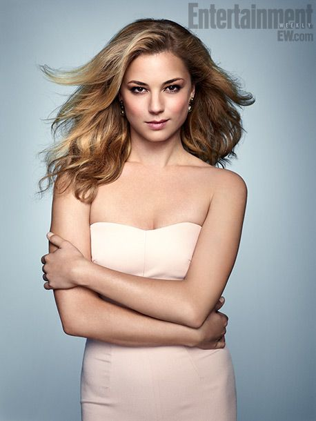 She is one of my favorite cast members on the show Revenge and she is a hottie.