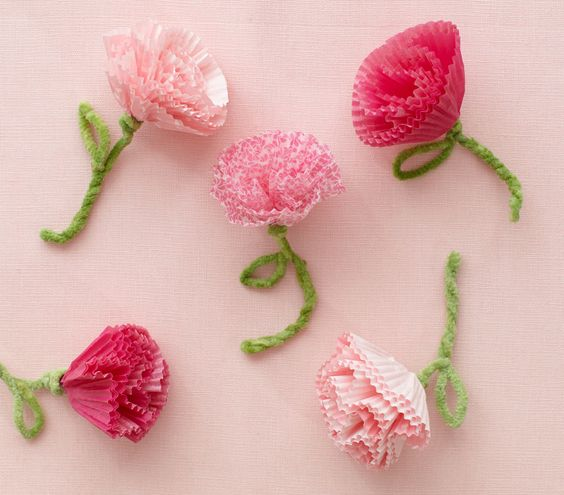 How To: Make Blooming Cupcake Liners | 10 Creative Valentine's Crafts for Kids | Real Simple