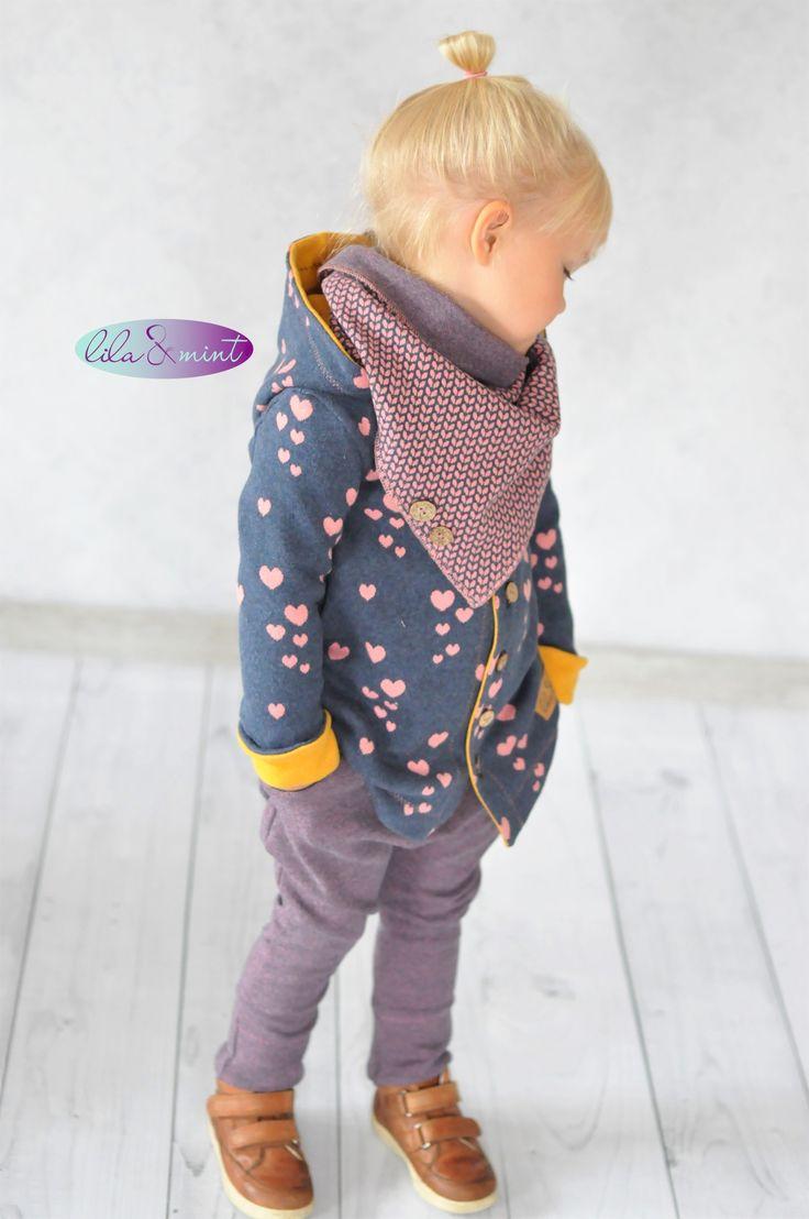 Ein Outfit aus Jacquard