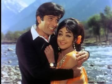 Shashi Kapoor with Hema Malini in Abhinetri.