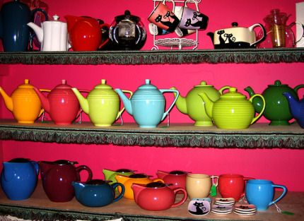Google Image Result for http://www.examiner.com/images/blog/wysiwyg/image/Teapots_by_Muffet2.jpg
