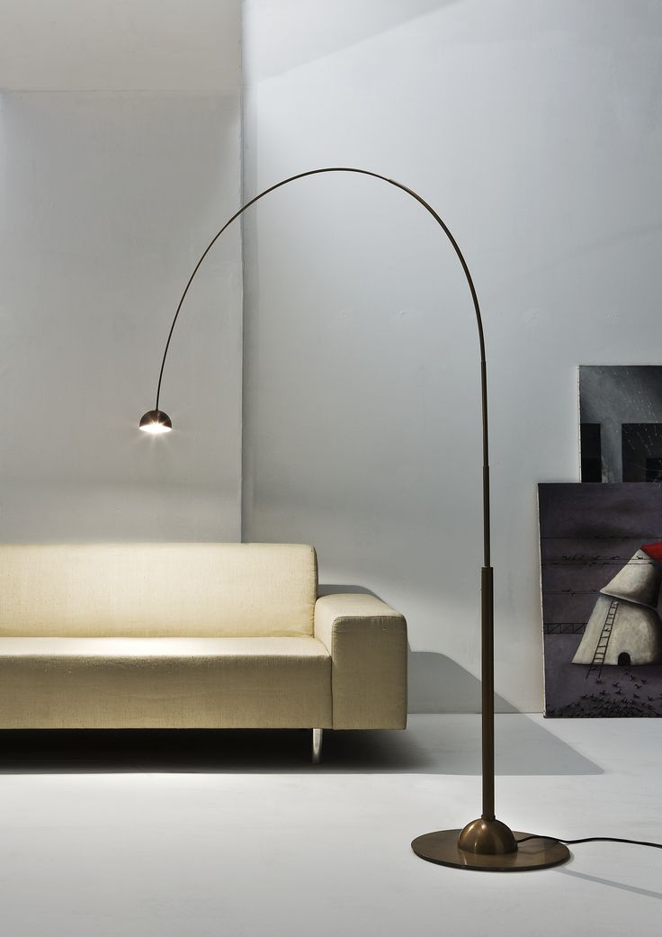 Satellite da Terra. Bow floor lamp in brass. Elements Collection by Carlo Giorgi   Laurameroni