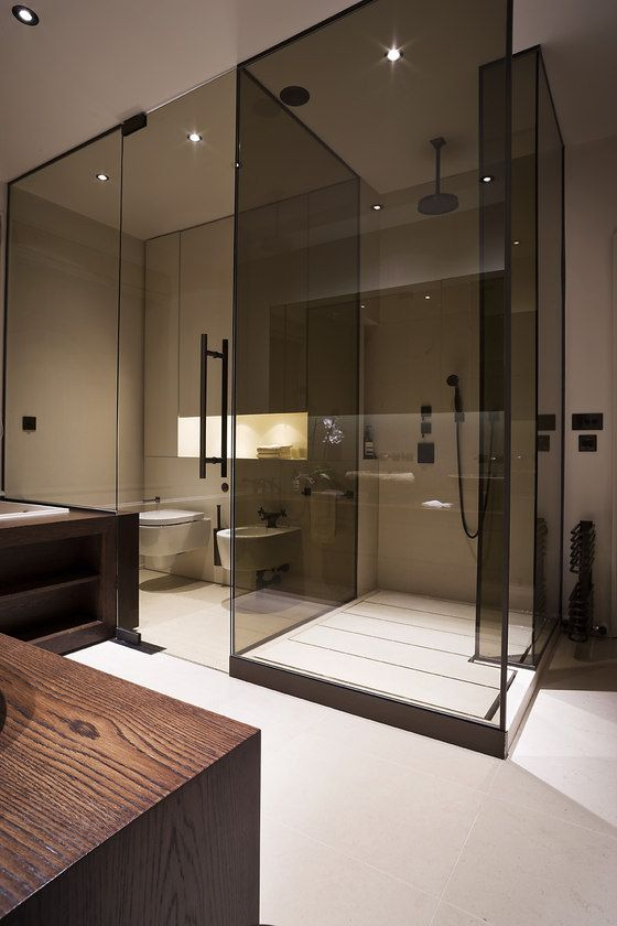 Salle de bain masculine et design, parois en verre fumé | masculine design bathroom I M Lab-The Country Home