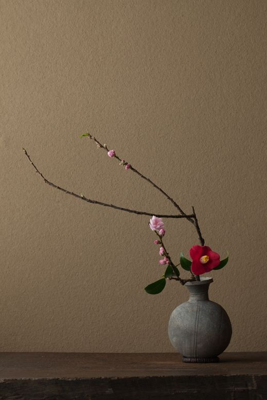 Ikebana by Toshiro Kawase incredible ikebana its amazing if you take 3 classes it will change the way you do flowers.