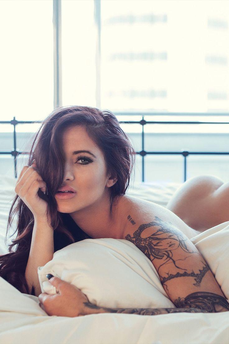 #MercedesEdison #SexyTattoo