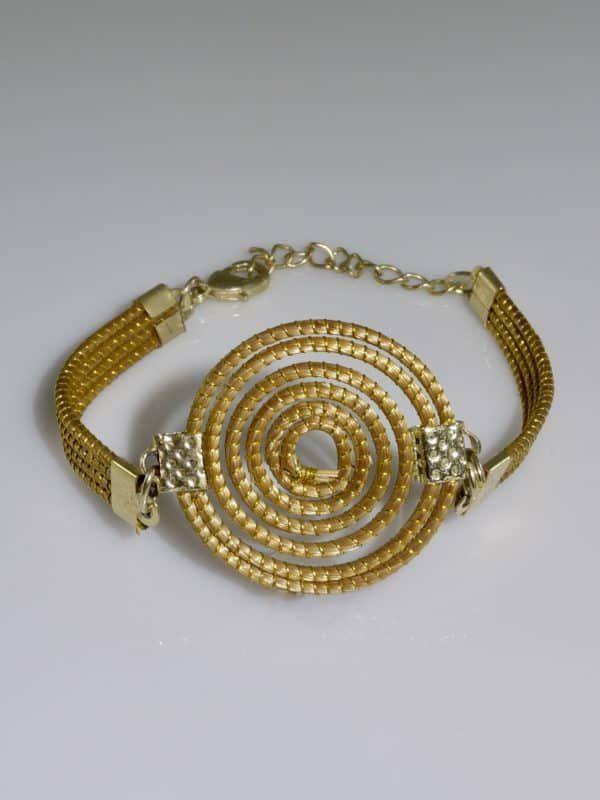 Capim Dourado (Golden Grass) Single Spiral Bracelet  #goldengrass #brazil #sustainablefashion #jewelry #ecofriendly #handmade #handmadejewelry #brazilian #bracelet #handcrafted