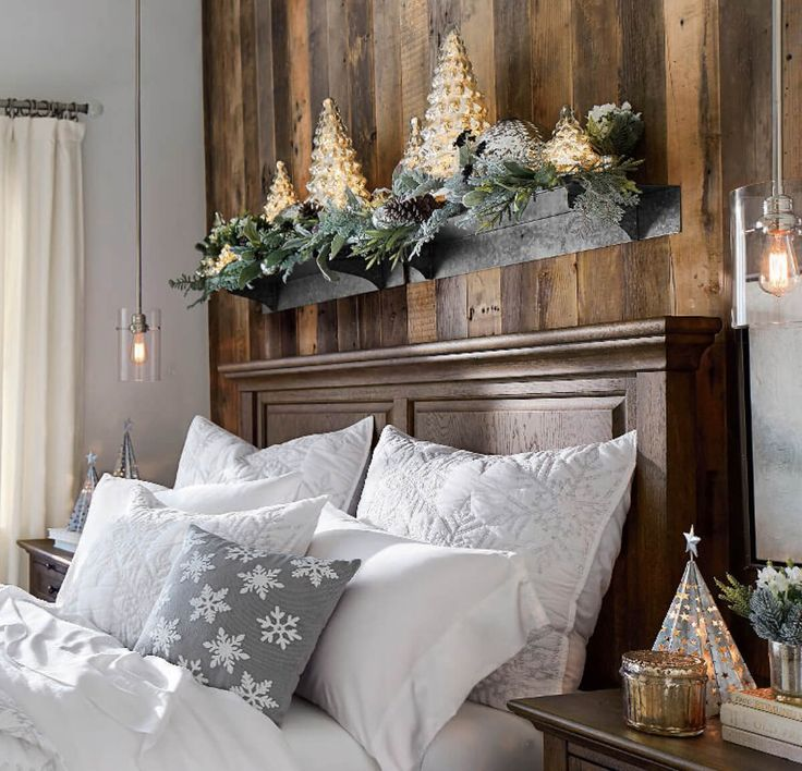 Elegant Interior Theme : Christmas Bedroom Decorating
