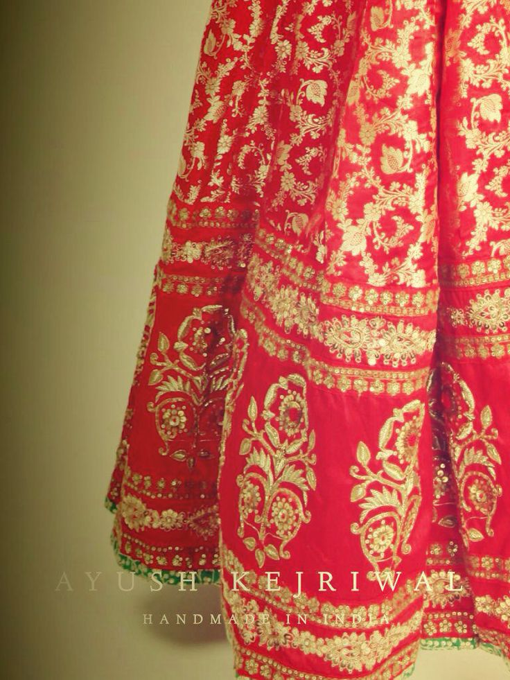BRIDALWEAR by Ayush Kejriwal For purchases email me at ayushk@hotmail.co.uk or what's app me on 00447840384707 #sarees,#saris,#indianclothes,#womenwear, #anarkalis, #lengha, #ethnicwear, #fashion, #ayushkejriwal,#bollywood, #vogue, #indiandesigners, #indianvogue, #asianbride ,#couture, #fashion