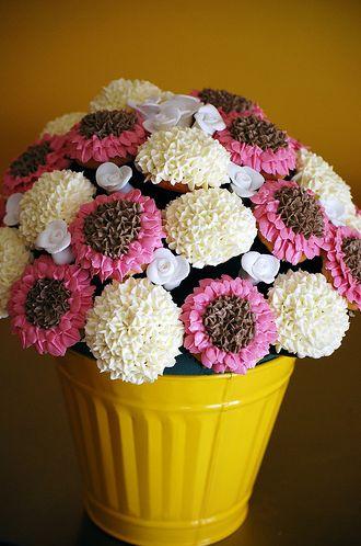 Large Cupcake Flower Bouquet: Shower Ideas, Flowers Cupcakes, Cupcakes Ideas, Cupcakes Bouquets, Cupcakes Flowers Bouquets, Large Cupcakes, Flower Cupcakes, Cups Cakes, Cupcakes Rosa-Choqu