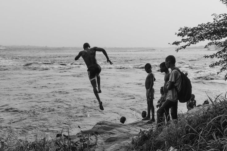 This is a picture of a border even if it doesn't look like it. This is the Congo river separating the Democratic Republic of the Congo (Kinshasa) and the Republic of Congo (Brazzaville). I like this picture because we do not care it's a border, and these children either, they keep jumping in it. They see beyond the borders.