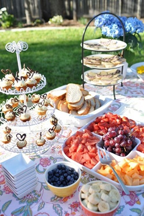 15 best images about outdoor buffet table on pinterest for Outdoor brunch decorating ideas