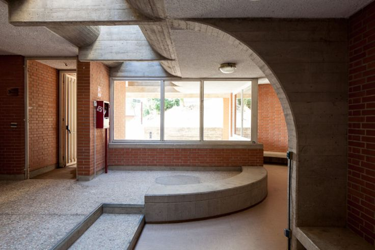 Giancarlo De Carlo, Oscar Ferrari · Collegi Universitari a Urbino · Architettura…
