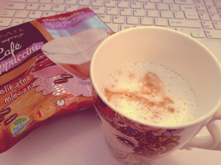 #workinprogress #coffee #cappuccino #break #accessoriesforstars #pink #vintage #autumnmood #autumn
