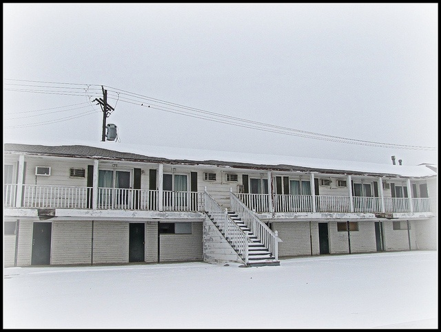 This Vintage Motel Sits Empty In Garnett Kansas Pinterest Photos And