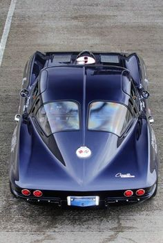 1963 Corvette Stingray 'split-window'. Note that the door's opening is cut into the roof for ease of getting in and out. Beautiful car. This has been pinned an amazing amount of times. It is not my pin, but what a beautiful car. The son of a Chevrolet dealer, this is my favorite car. Remember, this was produced in 1963, 53 years ago. McC