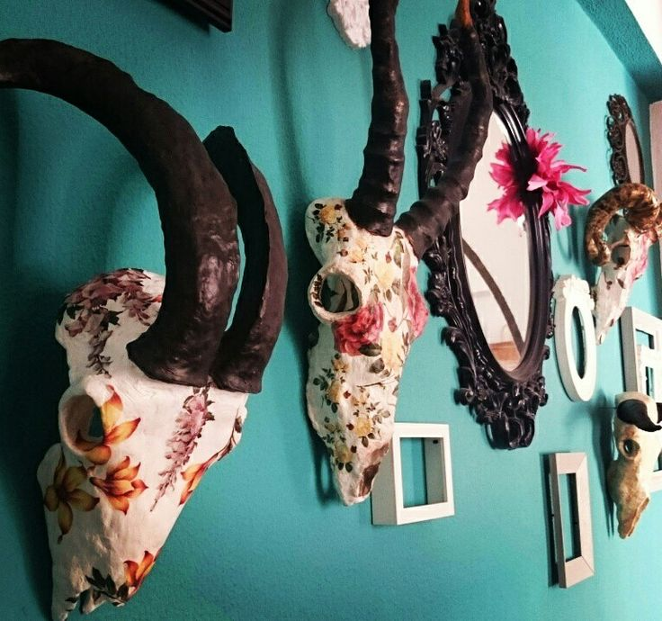The floral skull wall