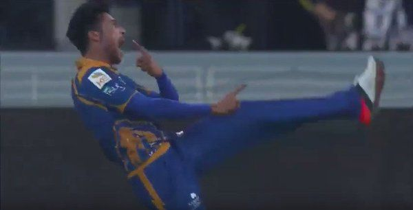 Seems like Mohammad Amir quite enjoyed that wicket of Mohammad Hafeez #Cricket #HBLPSL  17-02-2016