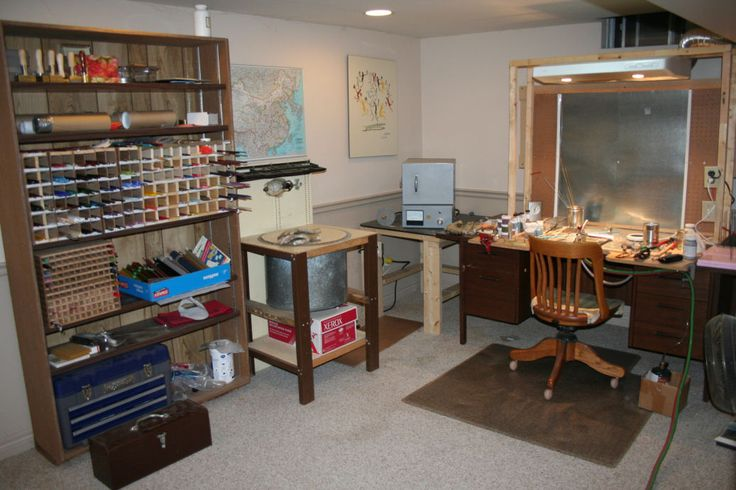 Have  you ever wondered what a lampwork glass  studio looks like?  Here are  some pictures of mine....propane/oxygen  torch, kiln for anneal...