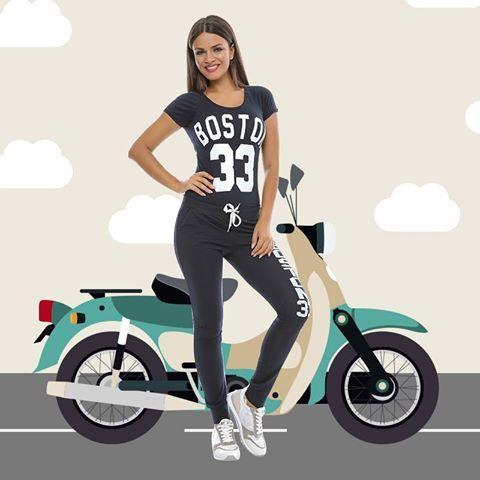 Compleu sport, lejer, confecționat din 95% bumbac și 5% lycra. Acesta este format din două piese: tricou și pantalon. Este disponibil pe mai multe culori și imprimeuri. (Atenție la culoare+ imprimeul specific fiecărui compleu! ).    ❕ ❕ ❕ Se poate cumpăra online în sistem en-gros de aici: ❕ ❕ ❕ www.adromcollection.ro/pantaloni/236-compleu-angro-6032.html
