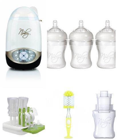 Per facilitare l'allattamento artificiale il kit biberon della Nuby è composto da: sterilizzatore e scaldabiberon 2-in-1, 3 biberon, 3 contenitori per latte in polvere, scovolino e scolabiberon