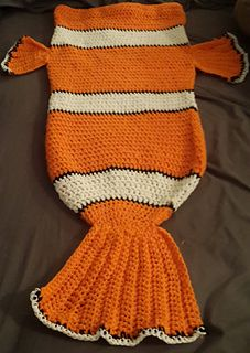 Clownfish (nemo) Cocoon style blanket - free crochet pattern by Tina Fountain.