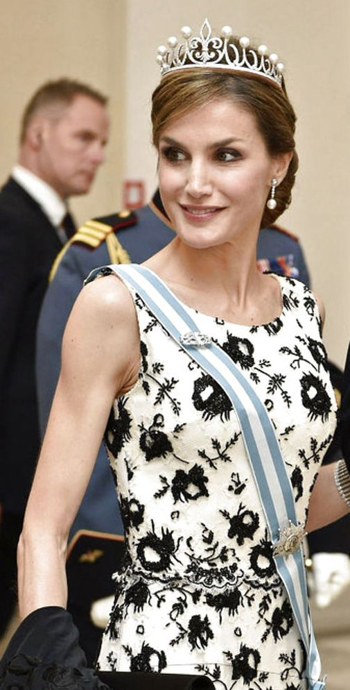Queen Letizia of Spain wearing the Ansorena Tiara in public for the first time. The fleur de lys is a symbol of the Bourbon family--her husband King Felipe is a Bourbon.