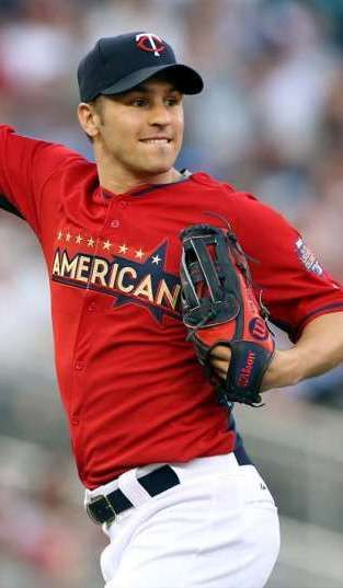 Zach Parise at the 2014 MLB All Star Celebrity Softball Game.