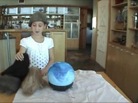 Make a hat on a ball / Hacer un gorro de fieltro con una pelota