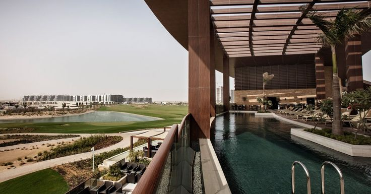 Late Wages for Migrant Workers at a Trump Golf Course in Dubai - The New York Times