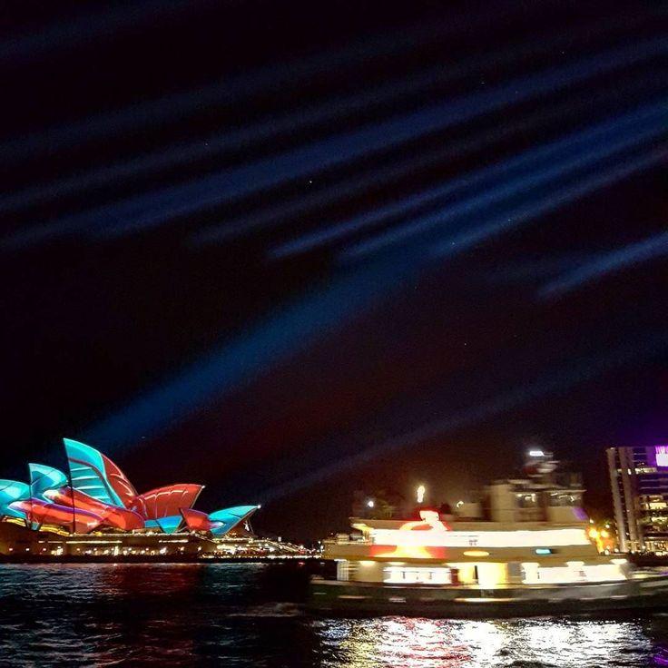 What an amazing week spent in Sydney. #vividcanon #vividsydney2017 #vividlights #seeaustralia