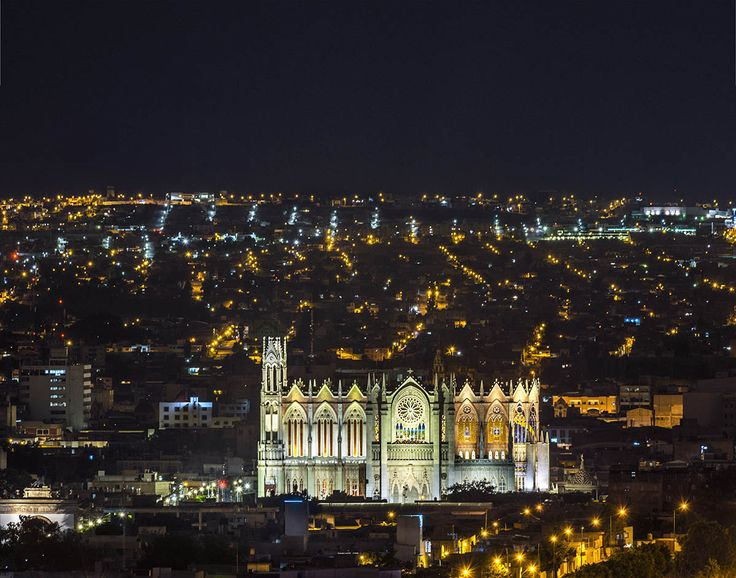 iGuzzini | The Expiatory Temple of the Sacred Heart of Jesus, City of León, Guanajuato, Mexico | Culture Urban | Products used: iPro, Woody
