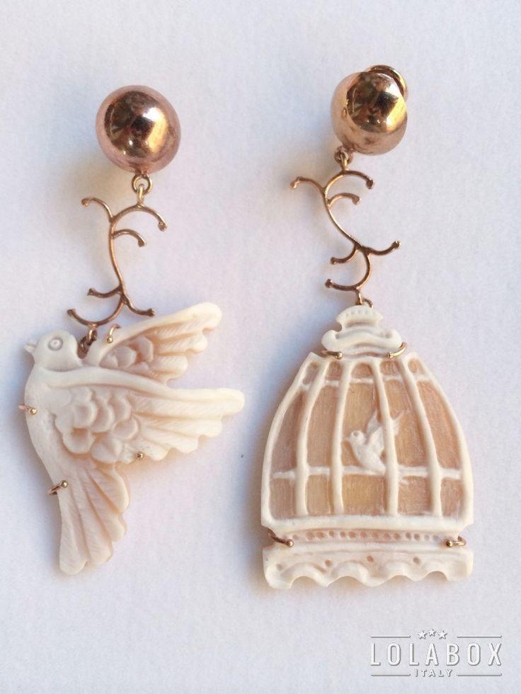 Cameo Bird Cage Earrings di loladarlingirl su Etsy