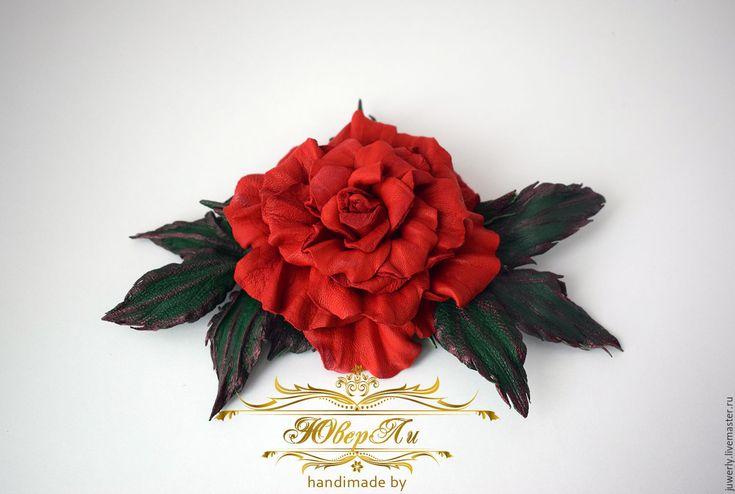 """Купить Брошь из кожи """"Красная роза"""" - ярко-красный, красный, алый, зеленый, летний"""