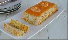 Pastel de puerros y langostinos con salsa de piquillos