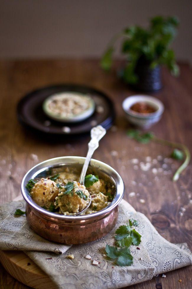 Dum Aalu – Bite Size Potatoes In Yogurt Gravy: Aalu Food, Plays Cooking, Yogurt Gravy, Small Potatoes, Food Photography, Indian Food, Indian Vegetarian Recipes, Size Potatoes, Dums Aalu 3