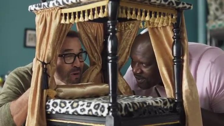 American Express Shaq and Jeremy Piven Shop for Dog Beds - Shop Small TV Commercial ad advert 2016  American Express TV Commercial • American Express advertsiment • Shaq and Jeremy Piven Shop for Dog Beds - Shop Small • American Express Shaq and Jeremy Piven Shop for Dog Beds - Shop Small TV commercial • Shaquille O'Neal and Jeremy Piven visit 4 Legs in Chicago to do some mini holiday shopping for very special friends.  #AmericanExpress #MasterCard #paypal #amex #AbanCommercials
