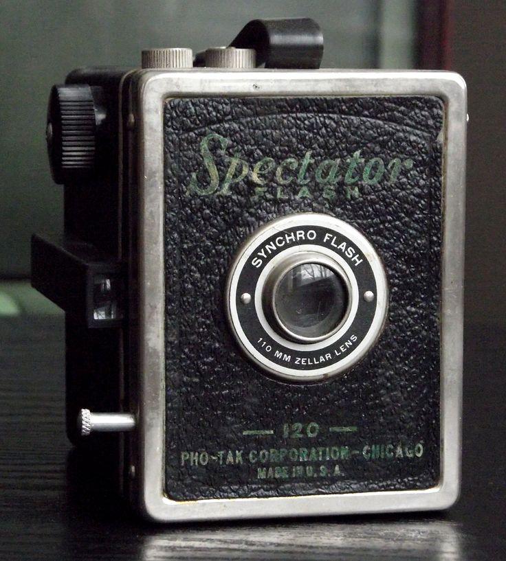 Vintage Pho-Tak Spectator Flash Camera