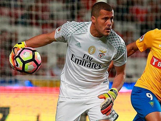 Júlio César nega que declaração tenha sido uma despedida do Benfica